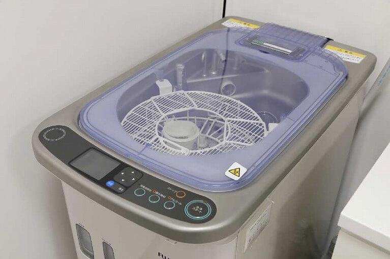 内視鏡スコープの洗浄・滅菌|尼崎で胃カメラ検査を行うにしおか内科クリニック